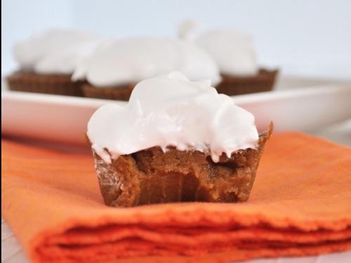 Mini pumpkin pie bites